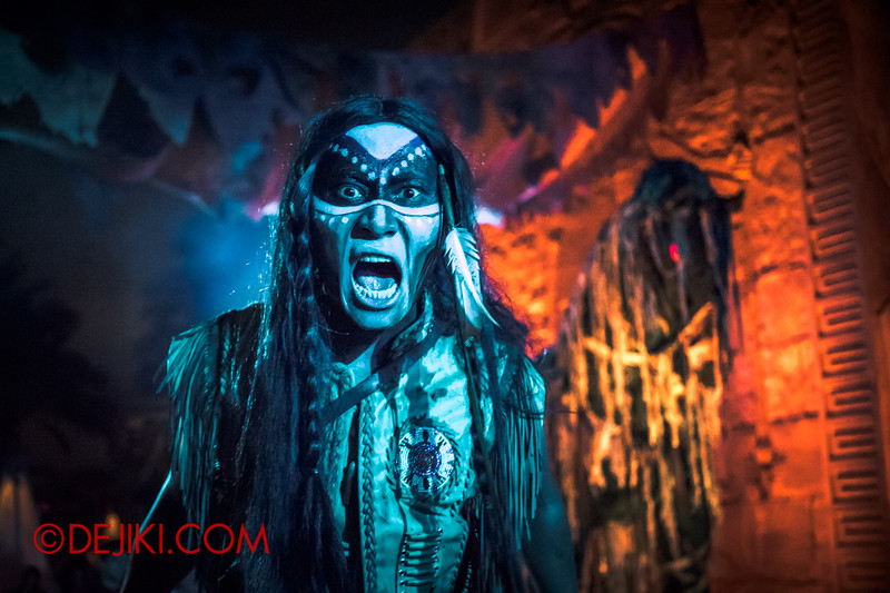 Halloween Horror Nights 4 - Canyon of the Cursed scare zone - War Cry