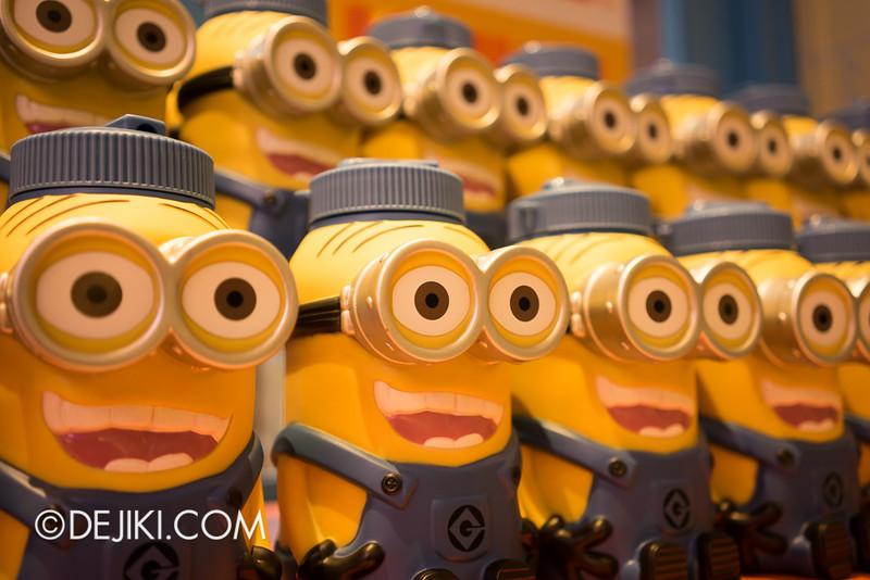 Universal Studios Singapore - Minion Mart 22