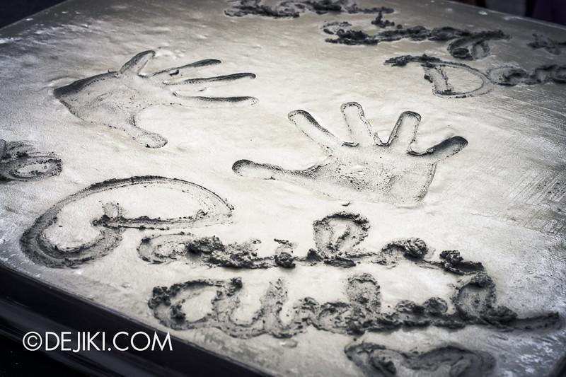 Universal Studios Singapore - Grand Opening 2011 - Paula Abdul Celebrity Handprint