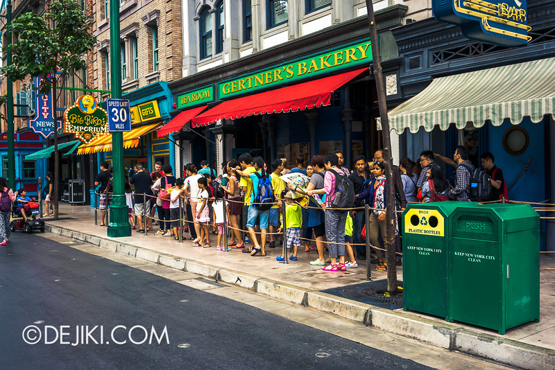 Universal Studios Singapore - Sesame Street queue