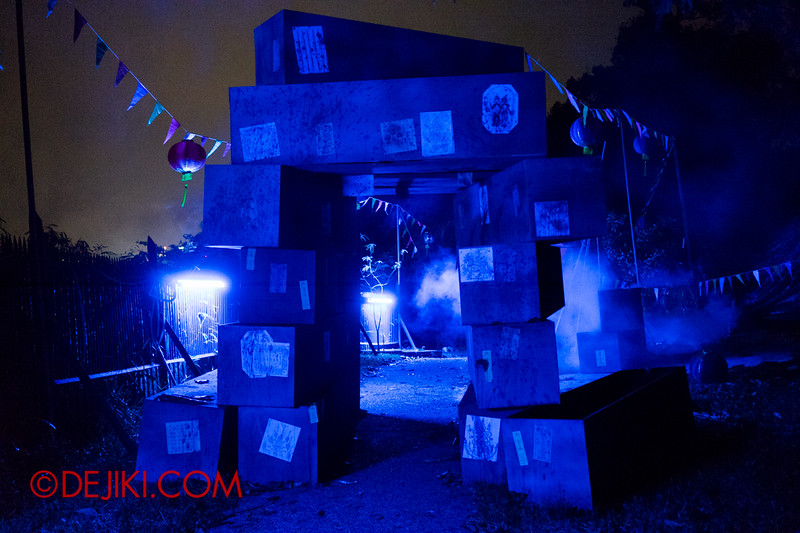 Sentosa Spooktacular 2014 - SWIMMERS Haunted House / Coffins 2