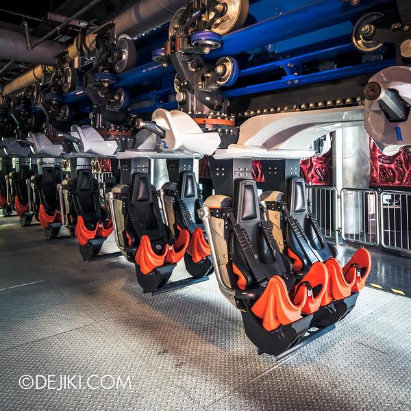 Universal Studios Singapore - Battlestar Galactica: HUMAN vs CYLON dueling roller coaster ride - CYLON Heavy Raider new roller coaster trains