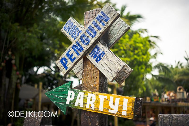 Universal Studios Singapore - Madagascar Poster Stand