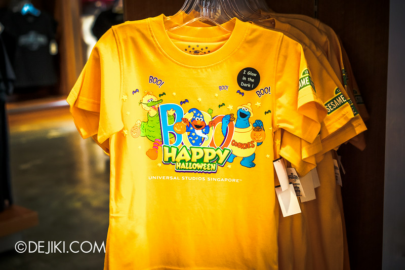 Universal Studios Singapore - Park Update August 2014 - Minister of Evil invades the Universal Studios Store / Cute Sesame Street Shirt for the Kids