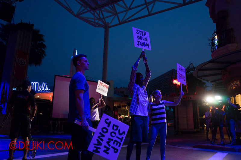 Universal Studios Singapore - Halloween Horror Nights 4 - Protesters at the Opening Scaremony 3