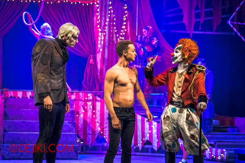 Halloween Horror Nights 4 - Jack's Nightmare Circus - Aerial act 3