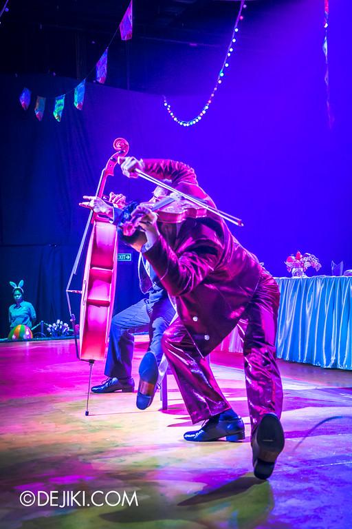 Universal Studios Singapore - Easter Eggstravaganza 2015 - Royal Lunch at Eggingham Gardens / Cello vs Violin