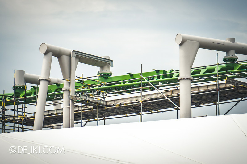 Universal Studios Singapore - Park Update September 2014 - Puss in Boot's Giant Journey - roller coaster track photos showing block brakes