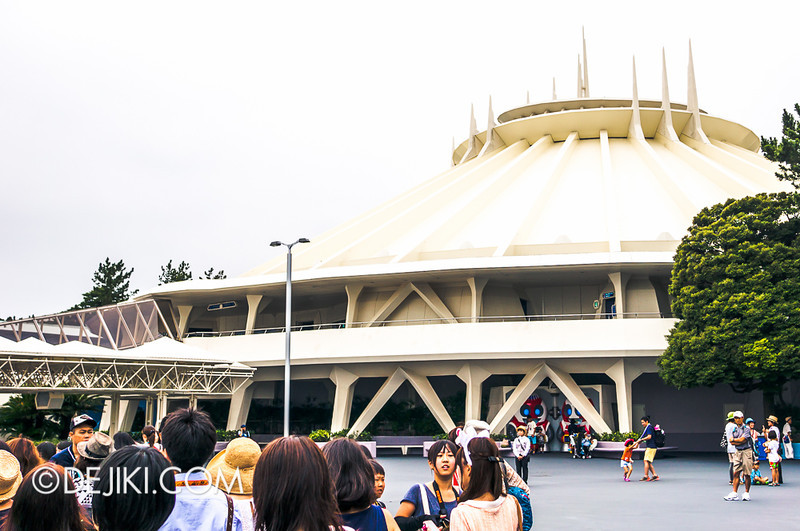Tokyo Disneyland - Tomorrowland / Space Mountain