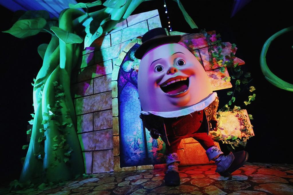 Universal Studios Singapore - Easter Eggstravaganza 2016 Event - Eggingham Gardens 6 Humpty