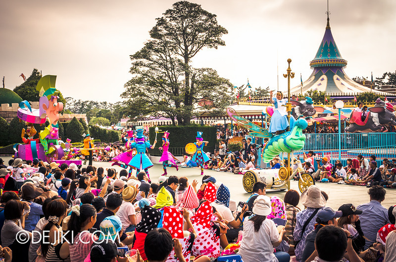 Tokyo Disneyland - Happiness is Here Parade 28 / Alice in Wonderland