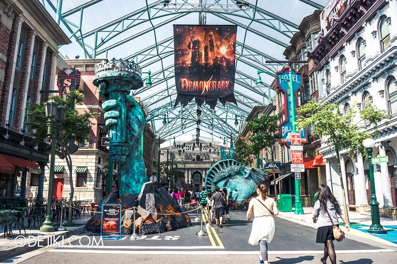 Halloween Horror Nights 4 Singapore - Before Dark 4 - DEMONCRACY - New York Street