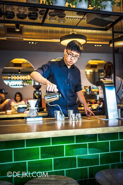Paddy Hills cafe - handbrew prep