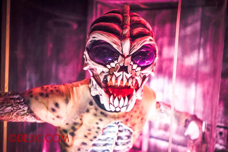 Halloween Horror Nights 4 - The L.A.B Laboratory of Alien Breeding - Alien unleashed 2
