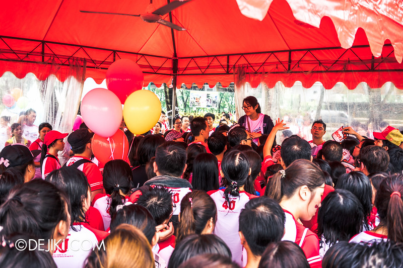 Hello Kitty Run Singapore - Chaos at second medal collection 2