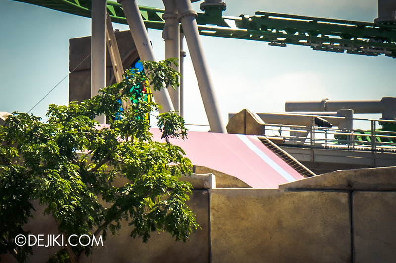 Universal Studios Singapore - Park Update January 2015 - Puss in Boot's Giant Journey construction update 5 / tent