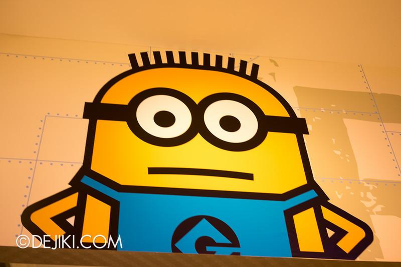 Universal Studios Singapore - Minion Mart 16