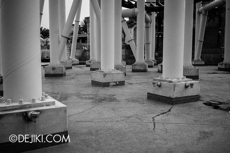 Universal Studios Singapore - Galactica Ruins