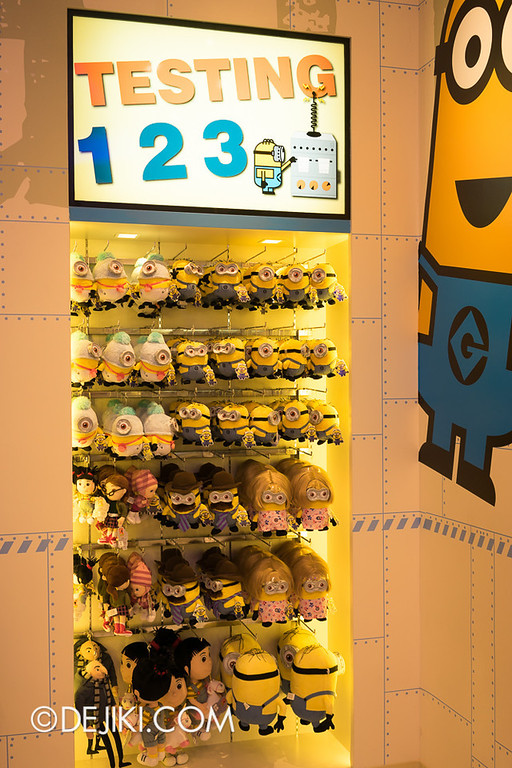 Universal Studios Singapore - Minion Mart 17