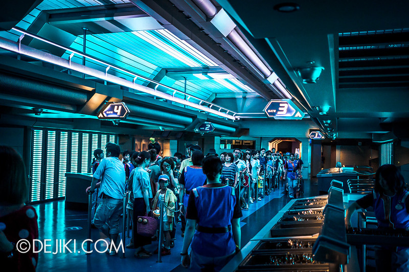 Star Tours: The Adventures Continue, loading bay 6