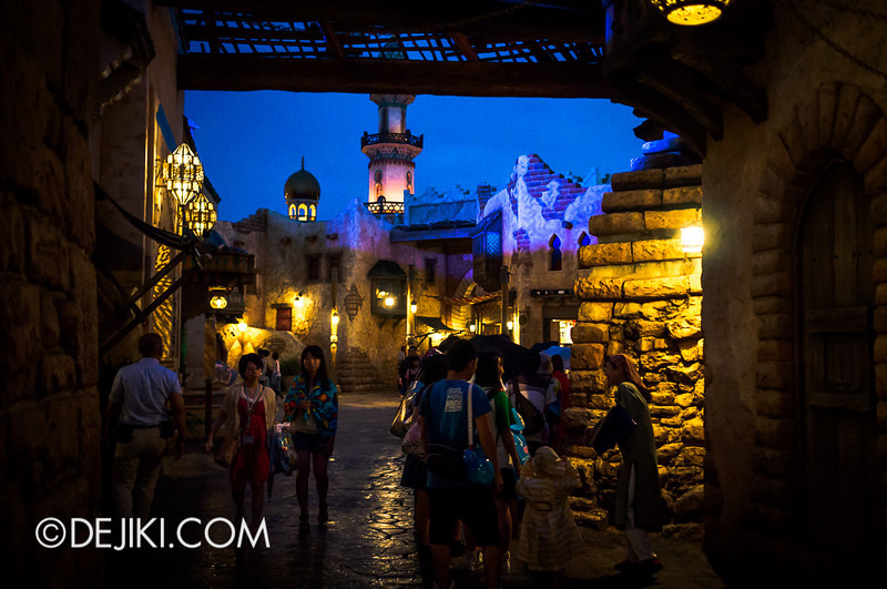 Arabian Coast - Streets at night 4
