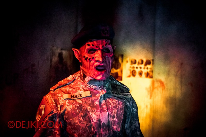Halloween Horror Nights 4 - MATI CAMP haunted house - Demon Staff Sergeant