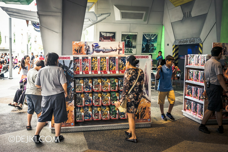 Universal Studios Singapore - Park Update July 2014 - Transformers: Age of Extinction Sci-Fi Pop-Up Store 1
