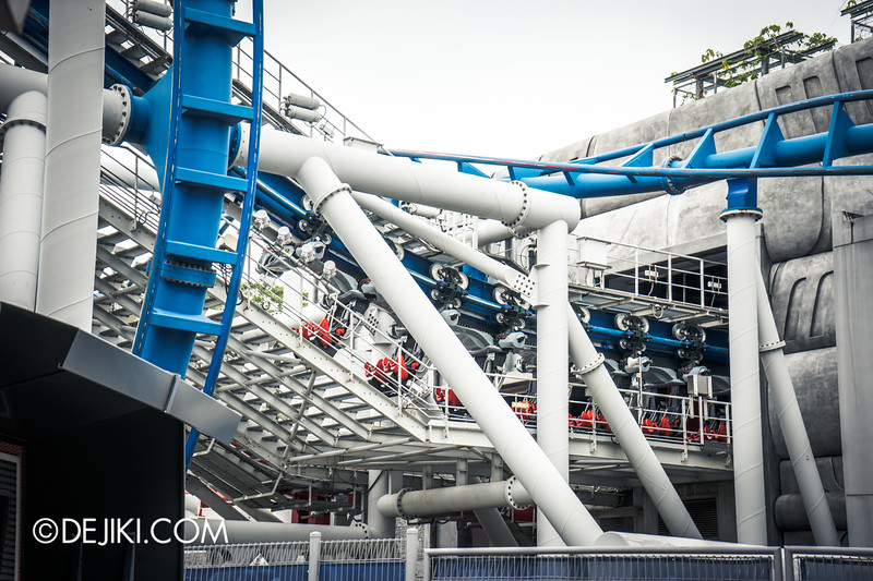 Universal Studios Singapore - Park Update November 2014 - Battlestar Galactica BSG roller coaster - test launch