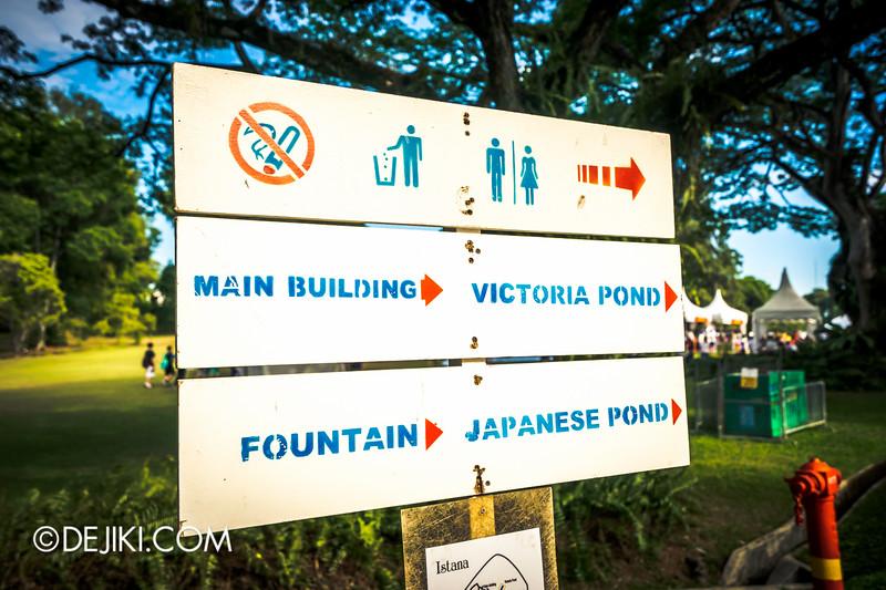 The Istana, Singapore - Signboards