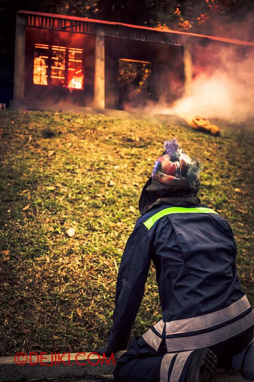Sentosa Spooktacular 2014 - LADDALAND Scare zone roaming Scare Actors 2 / Fireman H