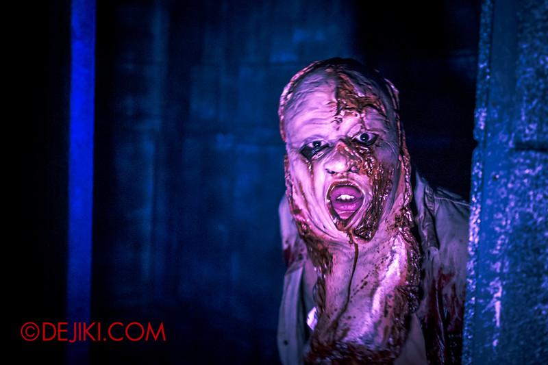 Halloween Horror Nights 4 - The L.A.B Laboratory of Alien Breeding - Mutant