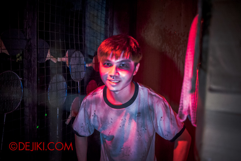 Halloween Horror Nights 4 - Jing's Revenge haunted house - The sports storeroom