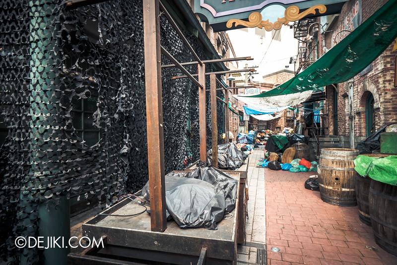 Universal Studios Singapore - Halloween Horror Nights 5 Before Dark Day Photo Report 3 - ConTERMINATED alley peek
