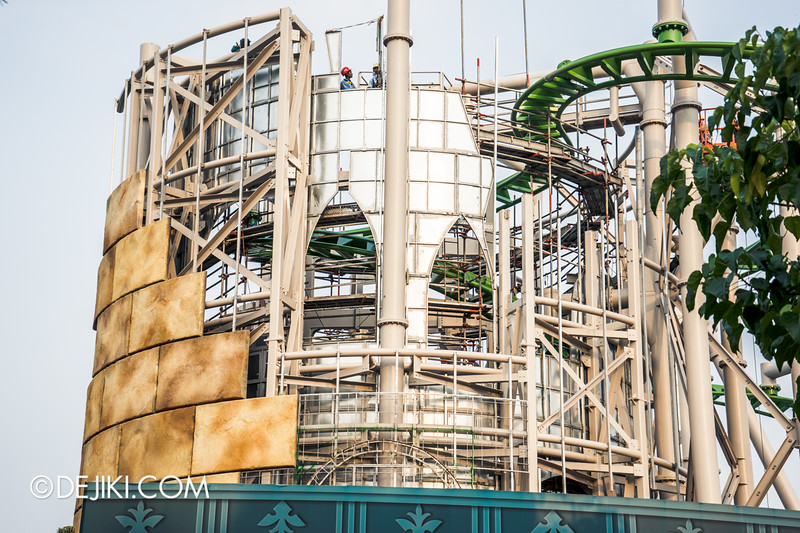 Universal Studios Singapore - Park Update October 2014 - Puss in Boot's Giant Journey construction update 3