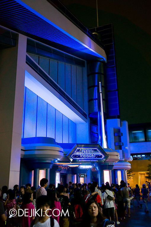 Star Tours: The Adventures Continue, at night
