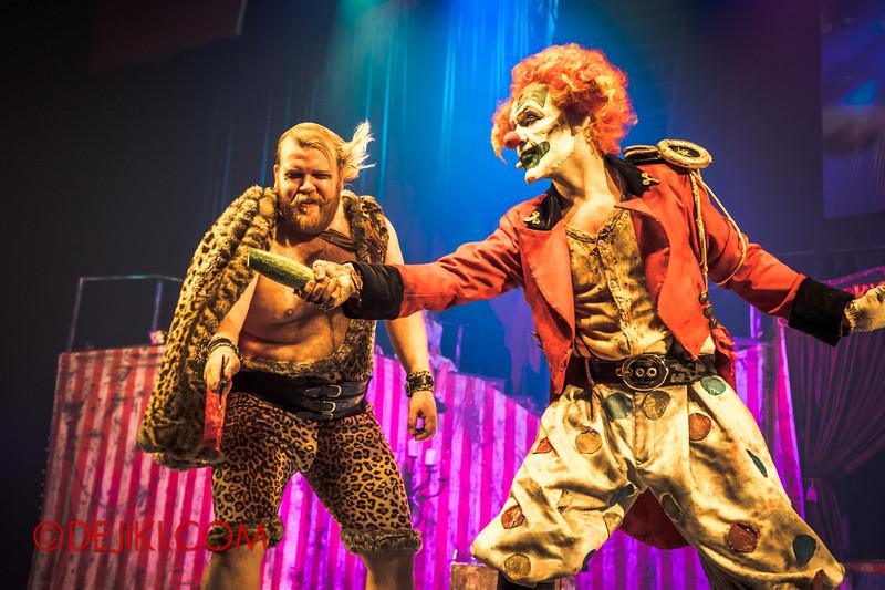 Halloween Horror Nights 4 - Jack's Nightmare Circus - Gordo Gamsby / Testing the blade