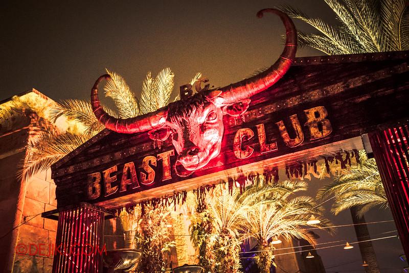 Halloween Horror Nights 5 - SNEAK PREVIEW - B.C. BEAST CLUB
