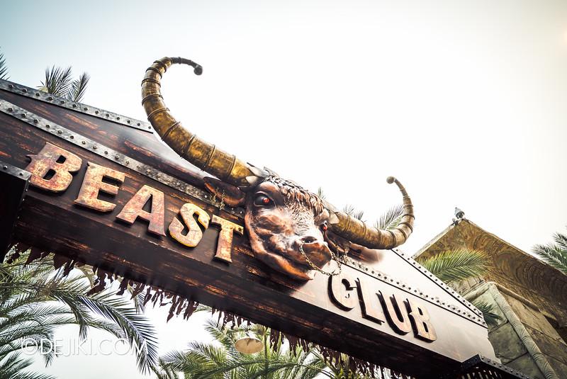 Universal Studios Singapore - Halloween Horror Nights 5 Before Dark Day Photo Report 3 - BEAST CLUB sign side