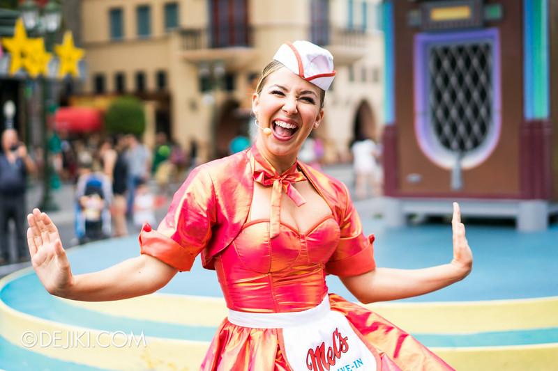Universal Studios Singapore - Park Update September 2014 - Mel's Dinettes dancing