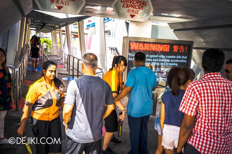 Universal Studios Singapore - Park Update June 2015 - Battlestar Galactica dueling roller coaster / loose item check