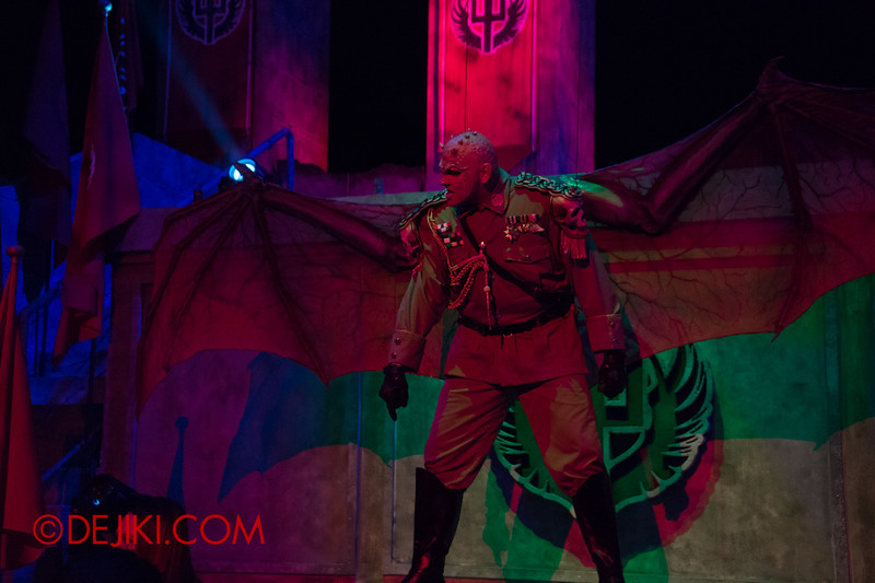 Universal Studios Singapore - Halloween Horror Nights 4 - Minister of Evil taunting guests 7