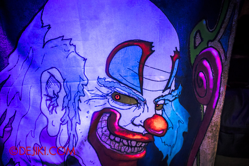 Halloween Horror Nights 4 - Jack's 3-Dementia 3D haunted house - Final escape