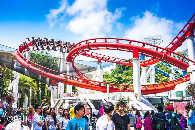 Universal Studios Singapore - Park Update June 2015 - Battlestar Galactica dueling roller coaster / HUMAN hero