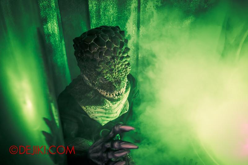 Halloween Horror Nights 4 - The L.A.B Laboratory of Alien Breeding - Specimens 4