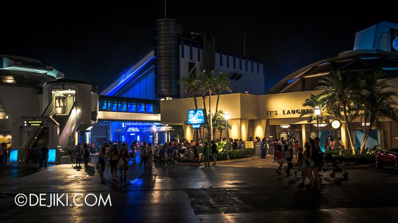 Tokyo Disneyland - Tomorrowland at night 2