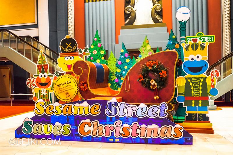 Universal Studios Singapore - Sesame Street Saves Christmas - exterior 3