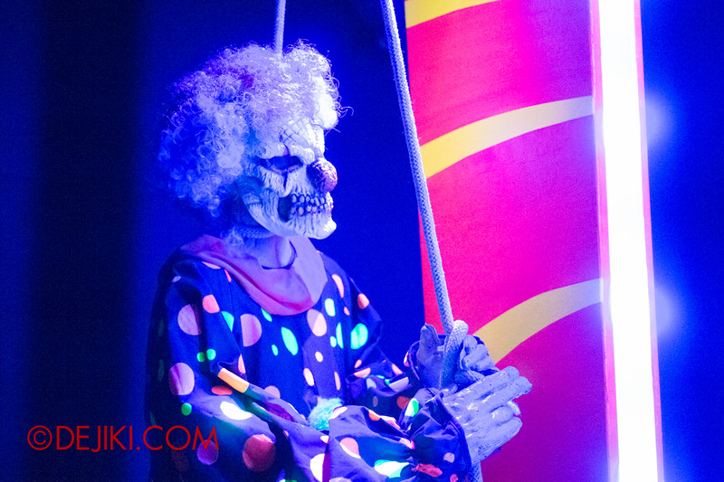 Halloween Horror Nights 4 - Jack's 3-Dementia 3D haunted house - Killer Clown killed