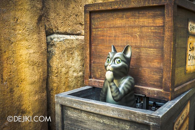 Puss in Boots' Giant Journey ride at Universal Studios Singapore - On-ride POV experience 17 / The Awkward Cat that goes OOOOOOOOOOOH.