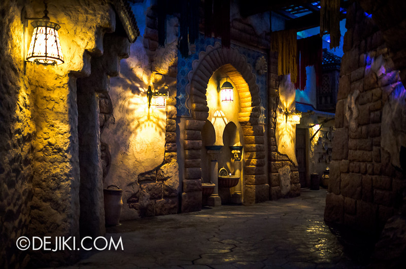 Arabian Coast - Streets at night 2