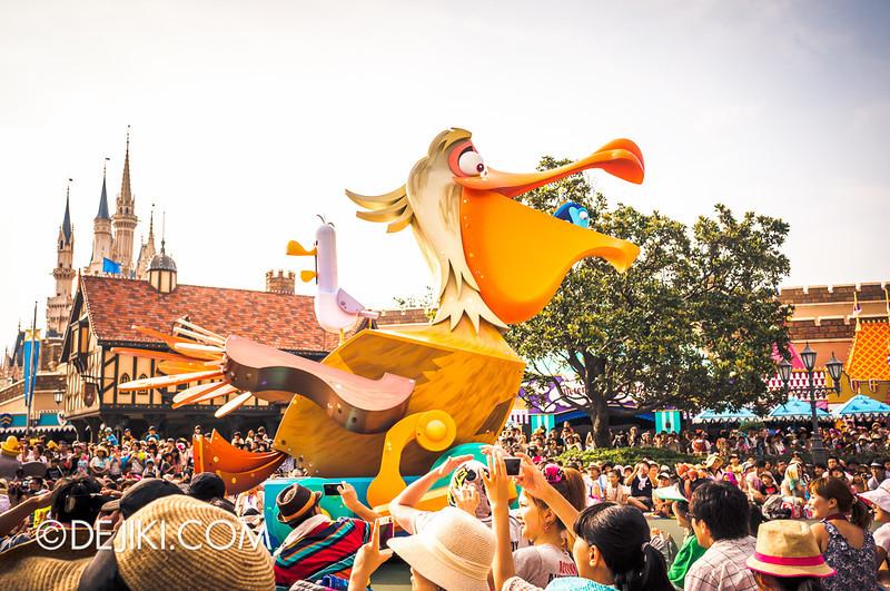 Tokyo Disneyland - Happiness is Here Parade 13 / Finding Nemo